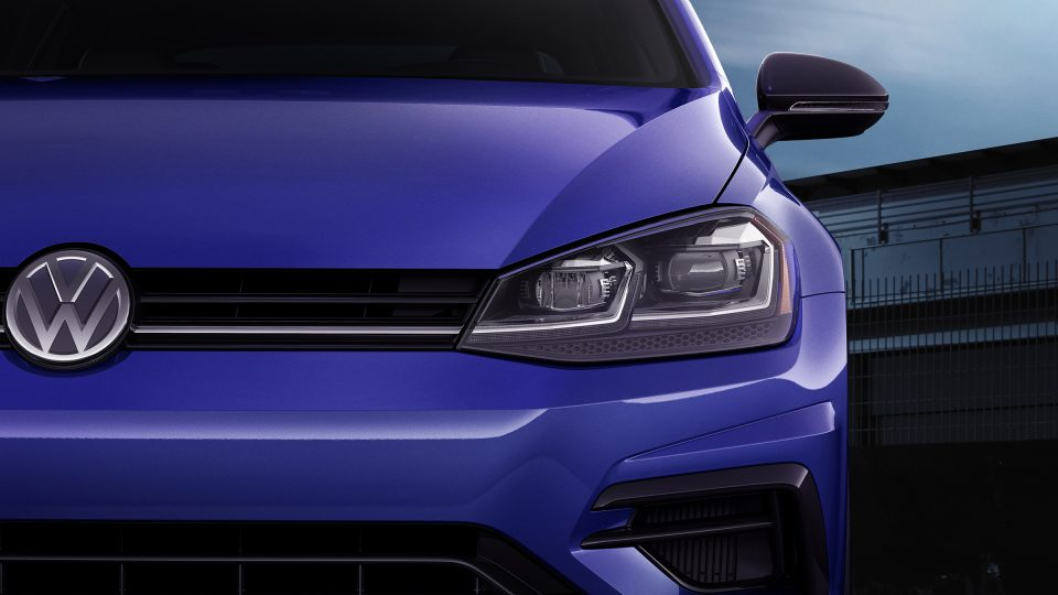 2018 Golf R adaptive front light system